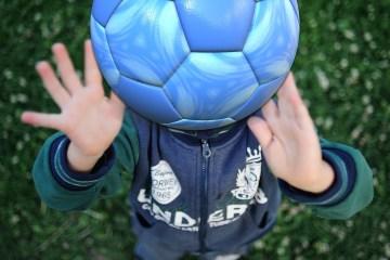soccer-ball-2379736_1920