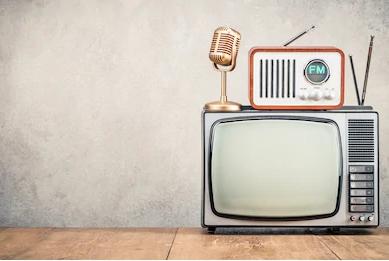 retro-old-tv-set-fm-260nw-711279994