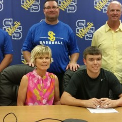 Brooks Signs to Pitch at PJC
