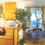 Auch vom Tresen der Studioküche aus genießen Sie den Meerblick!