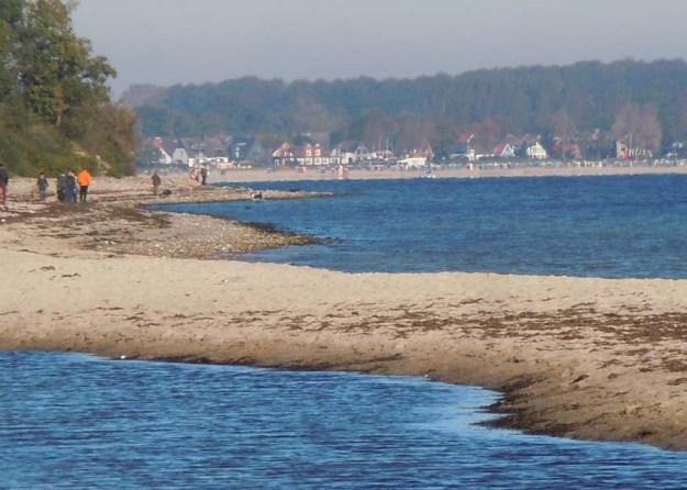 Wild wird der Strand nach einem Laufkilometer - perfekt für Lagerfeuer