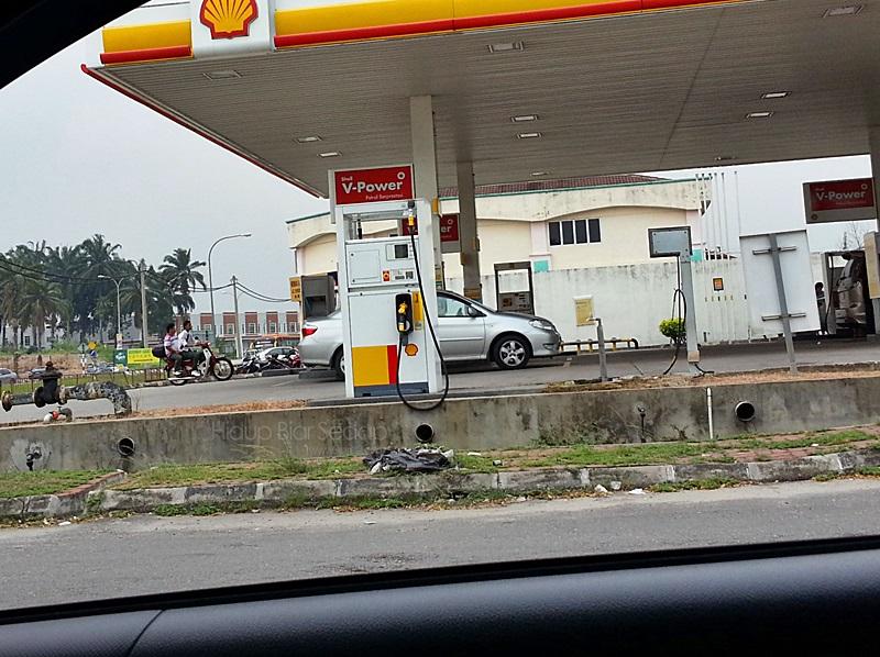 stesen minyak shell