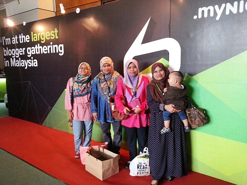 blogger gathering