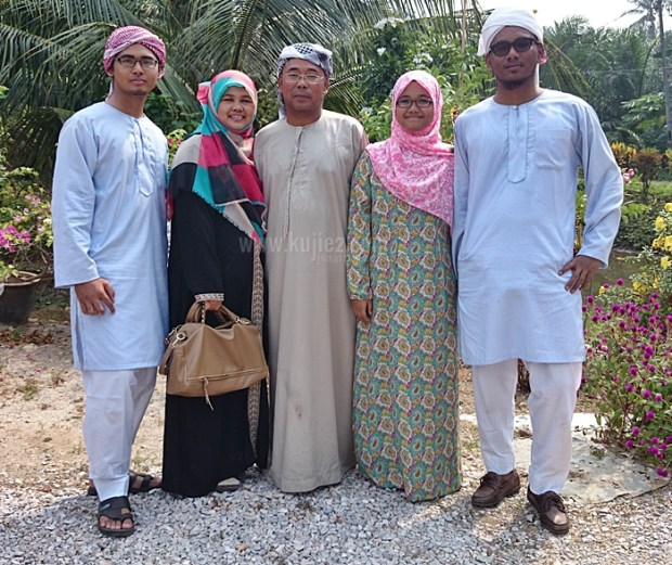 gambar raya keluarga