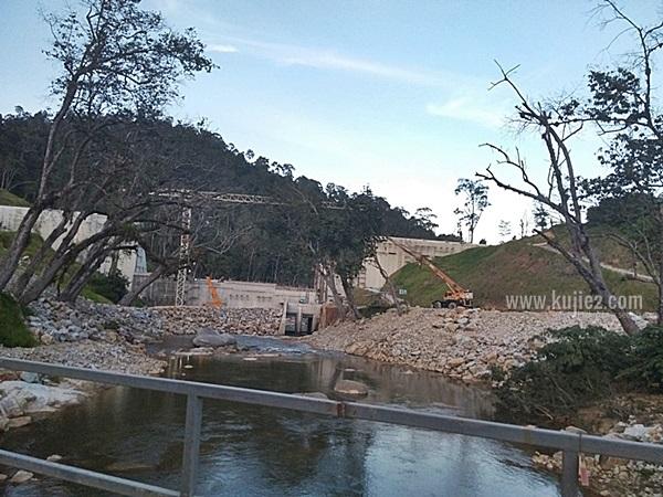 empangan hidroelektrik hulu terengganuempangan kenyir 2 sungai tembat