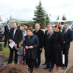 Premier Beata Szydło uczestniczyła w składaniu wniosku wielodzietnej rodziny z gminy Zatory