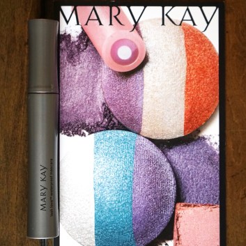 Hot or Not?! Mary Kay, Sriracha, and More!