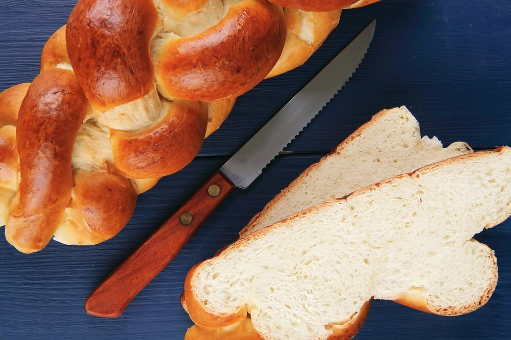 challah with slices