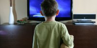 kid-watching-tv