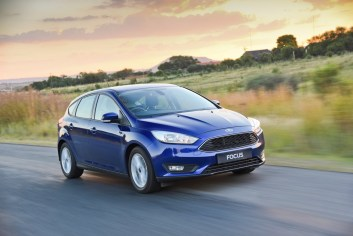 13-Ford focus-carscoza