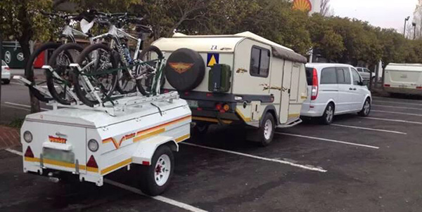 Groot Trek terug Towing-multiple-trailers