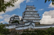 I visited Himeji Castle (姫路城) also called the White Heron Castle (白鷺城), in Himeji City (姫路市). Founded in 1333, when a fort was constructed on Himeyama hill by Akamatsu Norimura, the ruler of the ancient Harima Province. Akamatsu Norimura (赤松 則村, 1277 - February 18, 1350) was a Japanese samurai of the Akamatsu clan in the Muromachi period. He was governor (shugo) of Harima Province in Hyogo Prefecture.