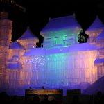 Large_Snow_Sculpture_Sapporo_Snow_Festival