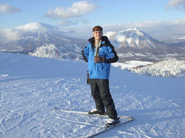 rusutsu_ski_resort_in_winter_hokkaido_japan