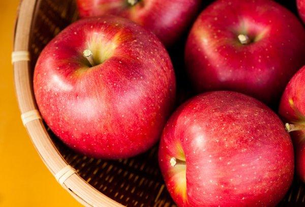 apples_at_store_in_hirosaki_aomori