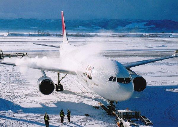 asahikawa_airport_in_winter