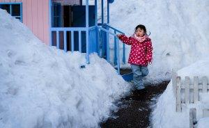 little_girl_hokkaido_in_winter