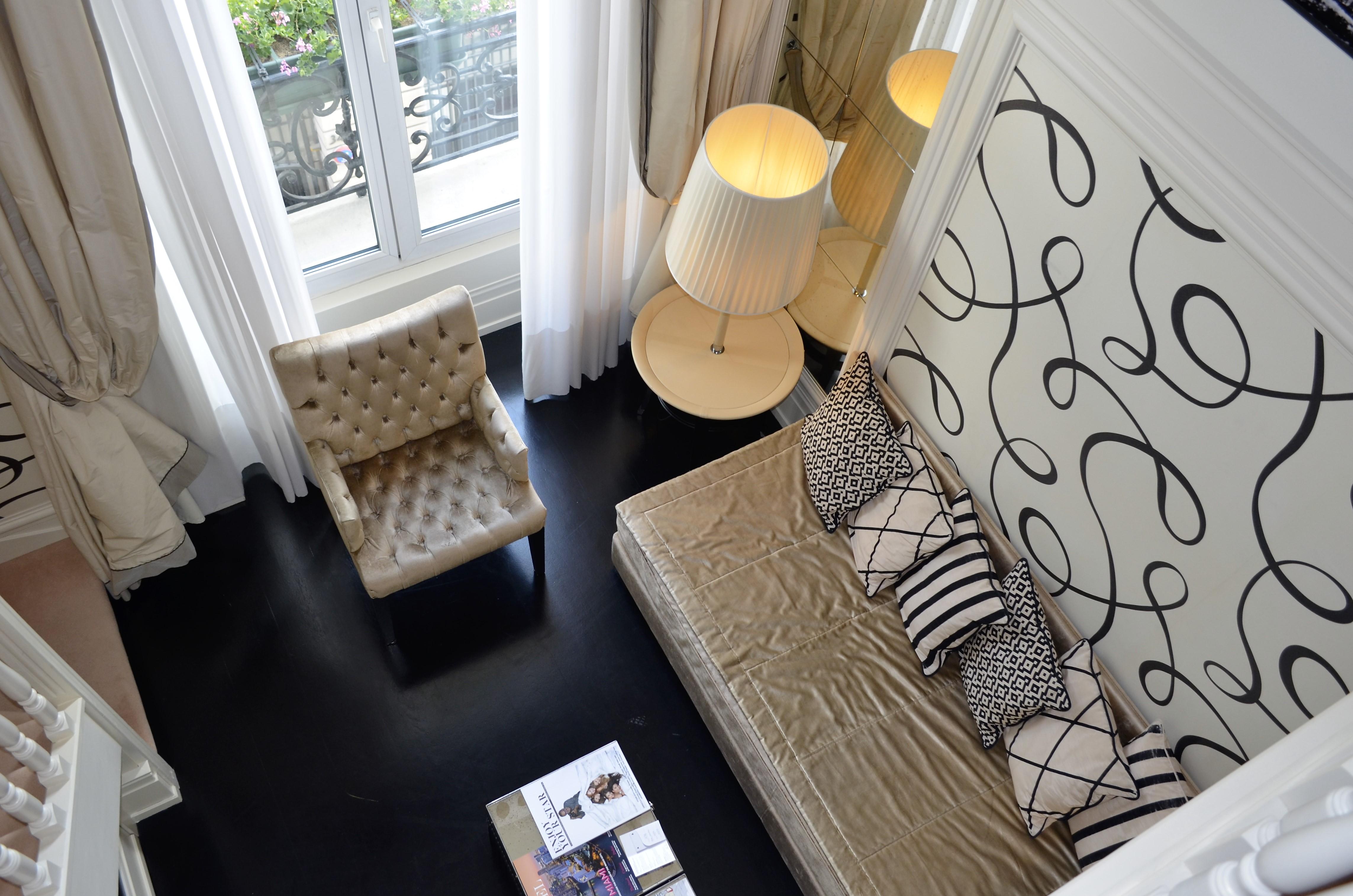 <a class=&quot;amazingslider-posttitle-link&quot; href=&quot;http://www.labeauteparisienne.com/2016/10/14/castille-hotel-paris/&quot;>Vie parisienne : dans la Suite de l&#39;hôtel Castille Paris...</a>