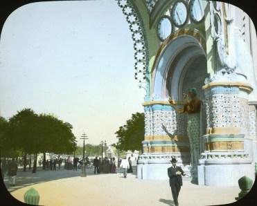 place-de-la-concorde-entrance-gate-3