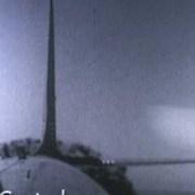 L'effet d'une bombe atomique sur un avion en vol