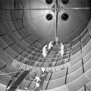 [Mystère #173] Des techniciens dans le réservoir de la fusée Sarturn V