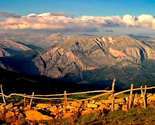 Paisaje casa rural La Carrozal Asturias Teverga