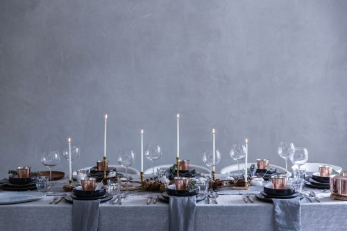 Weekend links #1 | La Tavola di Natale | Christmas Table Settings | via: Local Milk Blog | Selected by La Chaise Bleue (lachaisebleue.com)