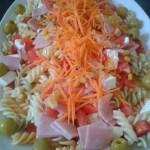 Ensalada de pasta con salsa a base de mayonesa