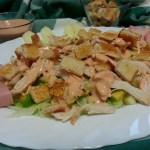 Ensalada de pollo con salsa rosa