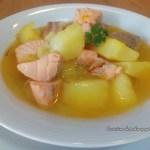 Guiso de patatas y salmón