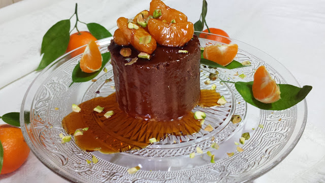 Mousse de chocolate con mandarina caramelizada
