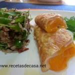 Timbal de arroz con tortilla francesa rellena