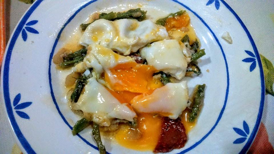 huevos cuajados con espárragos