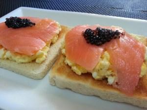 tosta noruega o tosta de salmón
