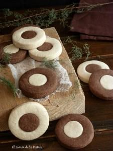 polvorones de chocolate y vainilla