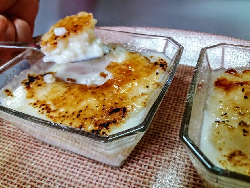 Arroz con leche y azúcar tostada estilo asturiano
