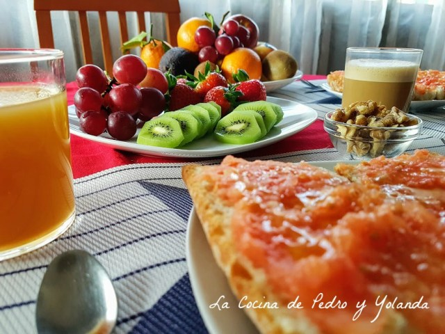 que debe contener un desayuno saludable
