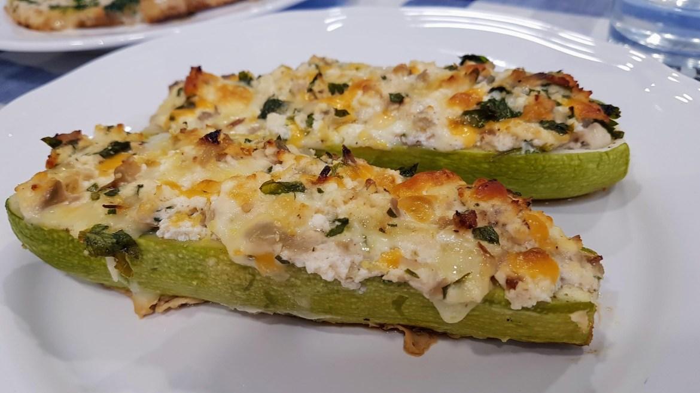 calabacines rellenos a los cuatro quesos