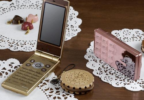 NTT Docomo SH-04b The Chocolate Phone by Q-Pot (2)