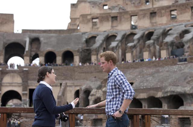 Non solo Obama: anche il principe Harry visita il Colosseo08
