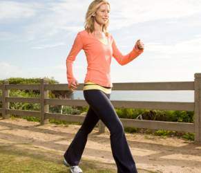 Artrite, camminare un'ora al giorno per salvare le ginocchia