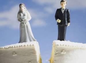 Divorzio: da domani si fa in 6 mesi. La lunga marcia da quando servivano 5 anni
