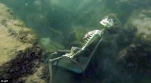 Finti scheletri posizionati su fondo fiume, sub chiama polizia FOTO, VIDEO