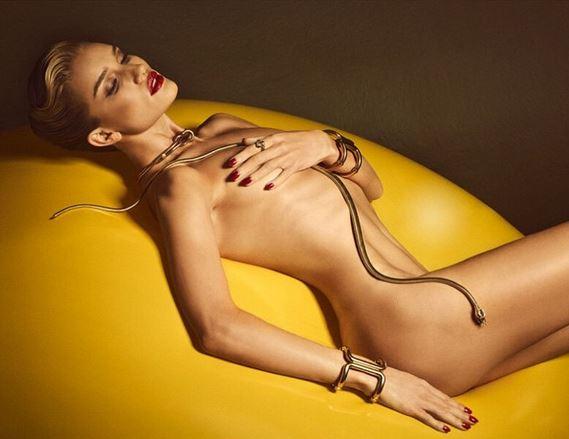 Rosie Huntigton Whiteley, nudo integrale su Lui Magazine
