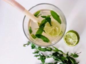 Cellulite, rimedi efficaci: la bevanda drenante che sgonfia