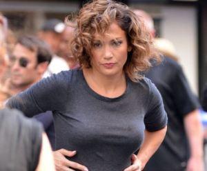 """Jennifer Lopez, spunta la""""pancetta"""". FOTO"""