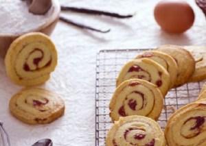 Ricette di dolci: biscottini variegati alla fragola