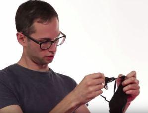 Uomini indossano la lingerie femminile. VIDEO esperimento