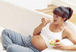 Autismo, figlio più a rischio se mamma in gravidanza è obesa