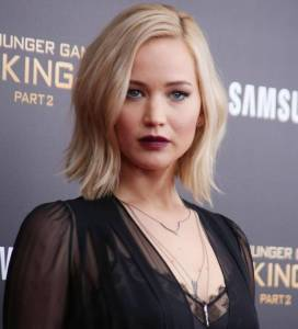 Jennifer Lawrence: reggiseno in bella vista a New York FOTO 1